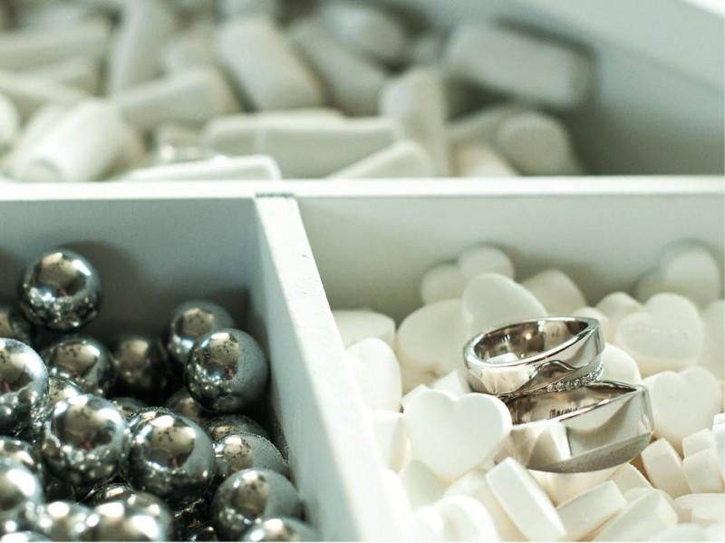 Snoeptafel met bruidringen