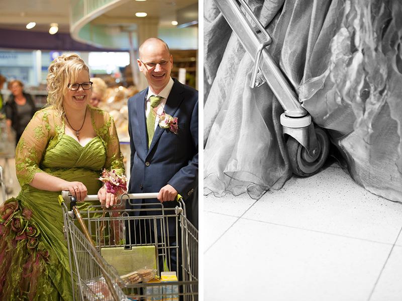 Bruidspaar bij PLUS supermarkt