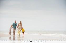 Lifestyle familie fotoshoot strand Vlieland
