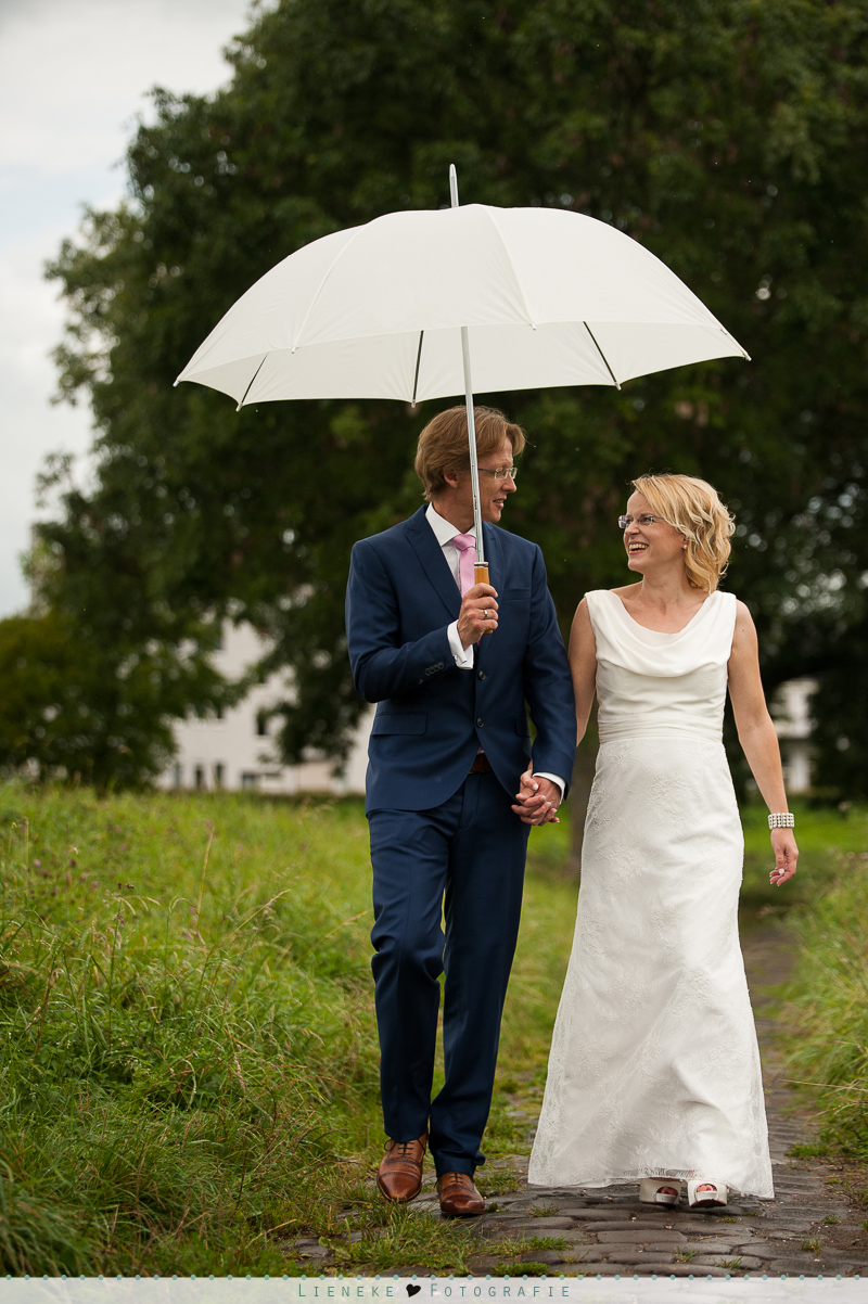 bruiloft foto's regen