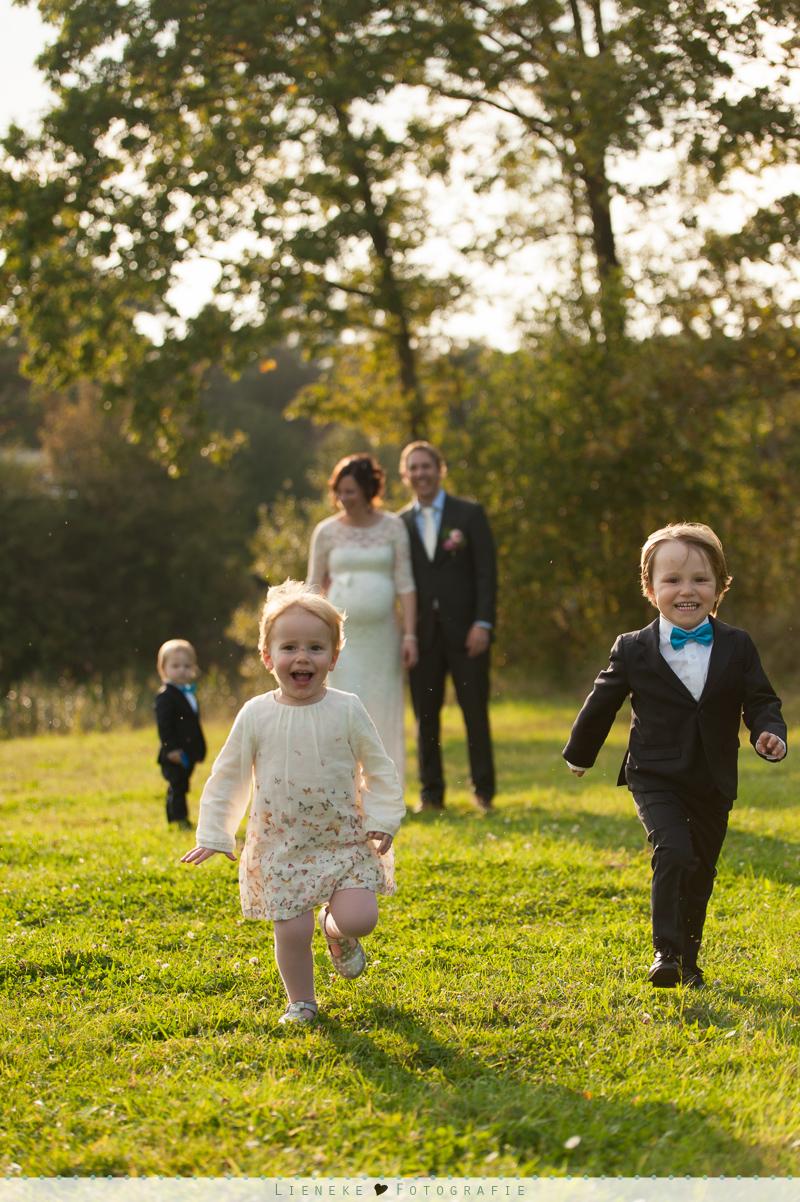 foto met bruidskinderen