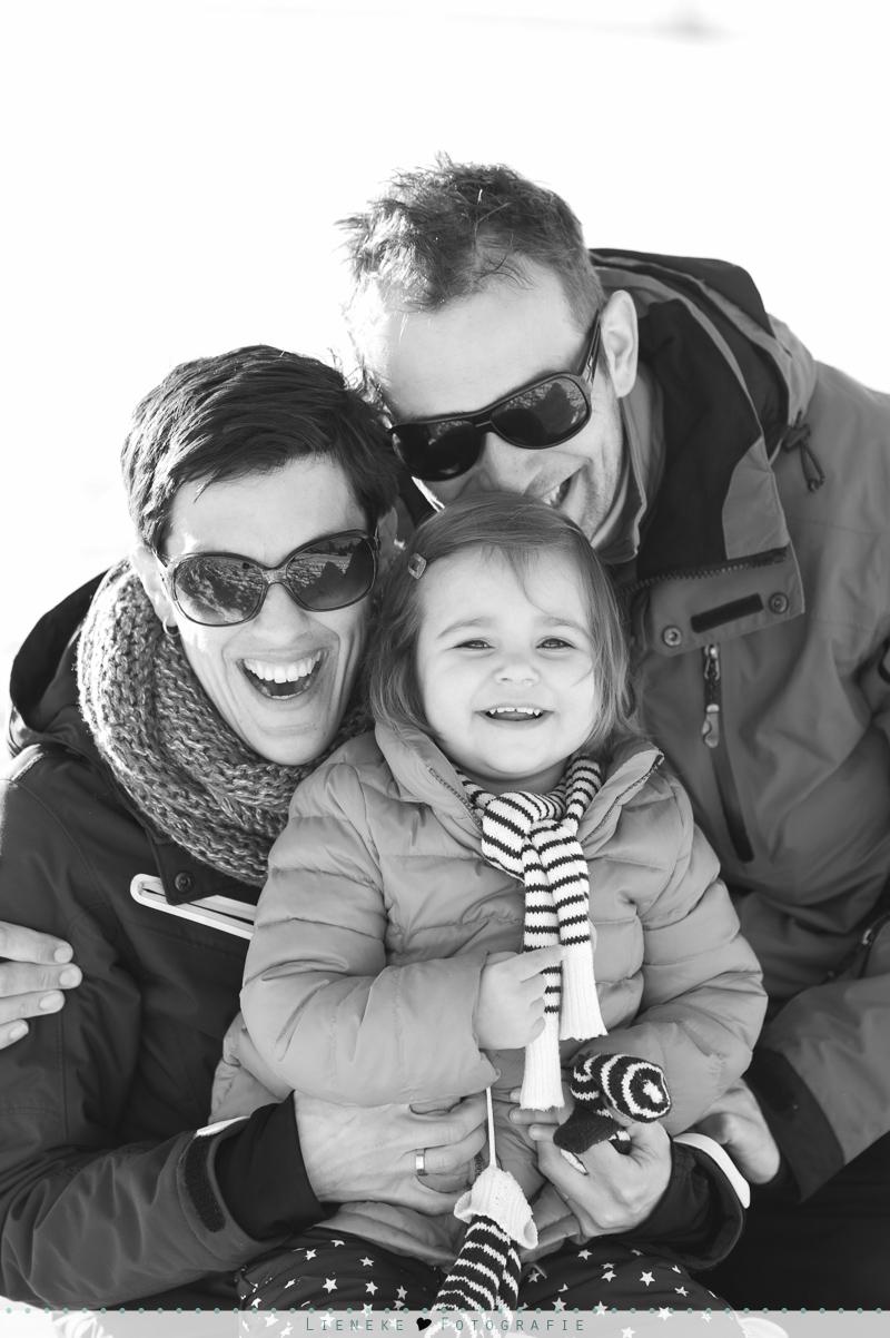 familieshoot in de sneeuw